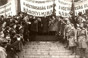 Proclamation of the people's republic on 16 November 1918.