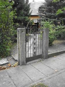 A Verseny utcai ház bejárata