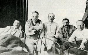 Lábadozó magyar hadifogoly-tisztek (Forrás: Hadifogoly magyarok története)