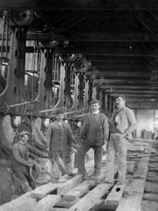Gyári munkások, 1916 (Fortepan, Saly Noémi)